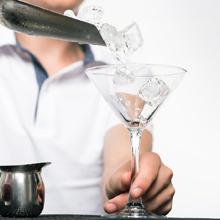 Κρυστάλλινα παγάκια για τα ποτά<br/>και τους χυμούς